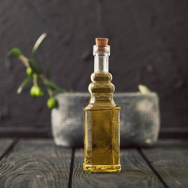 photo of bottle of olive oil representing Melgarejo Arbequina olive oil
