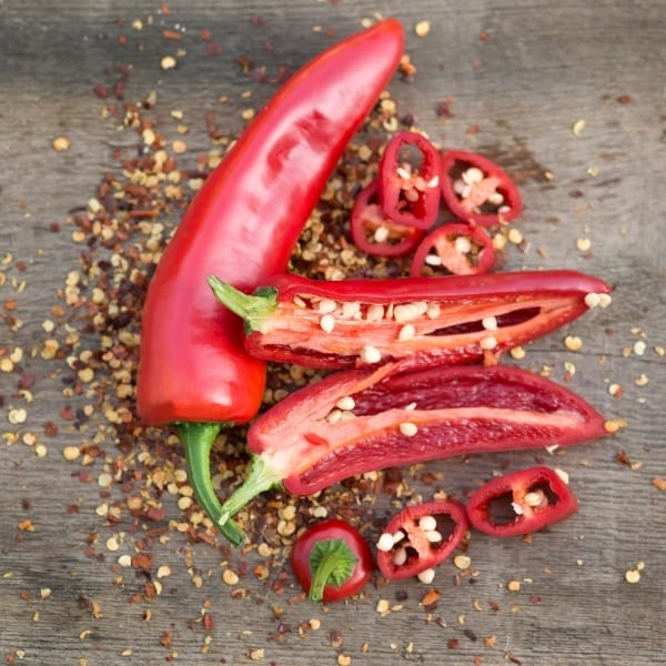 photo of cayenne peppers representing red cayenne chili olive oil