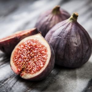 photo of figs representing fig balsamic vinegar
